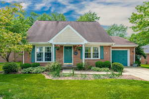 8706 Staghorn Dr Louisville, KY 40242