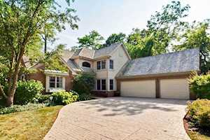 1733 Yale Ct Lake Forest, IL 60045