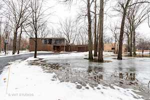 1627 Clendenin Ln Riverwoods, IL 60015