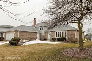 16318 Hillcrest Dr Tinley Park, IL 60477