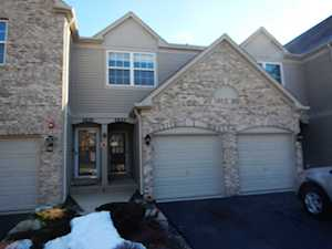 2852 Stonewater Dr Naperville, IL 60564