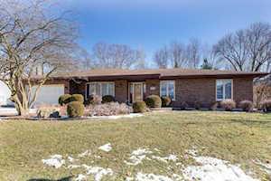 742 Buttonwood Circle Naperville, IL 60540