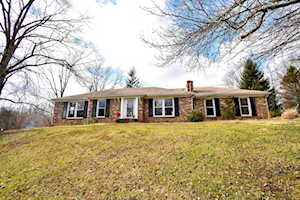 3104 Maple Leaf Dr La Grange, KY 40031