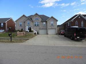7306 Brook Meadow Dr Louisville, KY 40228