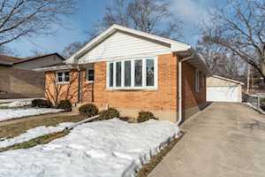 740 Mckinley Ave Mundelein, IL 60060