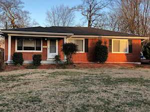 7719 Poinsettia Dr Louisville, KY 40258