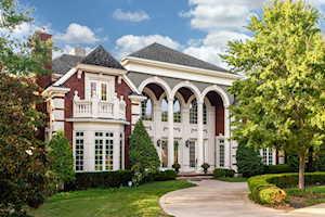 200 Mockingbird Gardens Dr Louisville, KY 40207