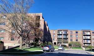 601 W Huntington Commons Rd #301 Mount Prospect, IL 60056