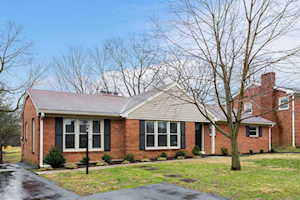 135 Tanglewood Trail Louisville, KY 40223
