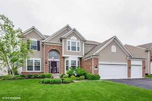 3528 Langston Ln Carpentersville, IL 60110