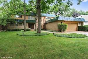 933 Stonegate Dr Highland Park, IL 60035