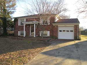 4604 Linger Ct Louisville, KY 40272