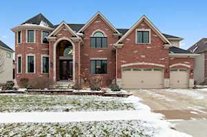 1976 Saddle Farm Ln Naperville, IL 60564