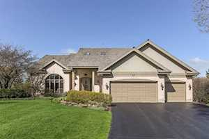 43 Gentry Dr Hawthorn Woods, IL 60047