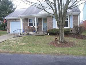 8701 Deer Point Ct Louisville, KY 40242