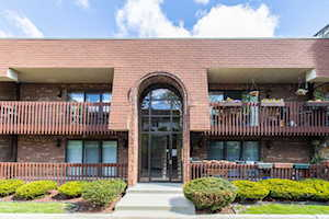 6321 Clarendon Hills Rd #6 Willowbrook, IL 60527
