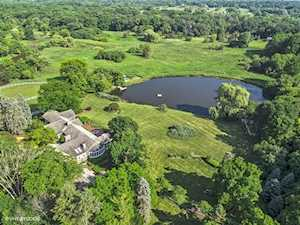 32 Oak Knoll Rd Barrington Hills, IL 60010