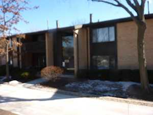 6109 Knollwood Rd #204 Willowbrook, IL 60527