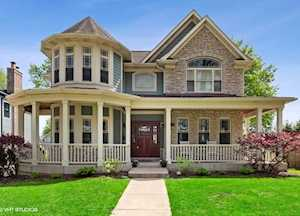 4515 Linscott Ave Downers Grove, IL 60515