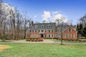 2 Manor Hill Dr Bernardsville Boro, NJ 07924