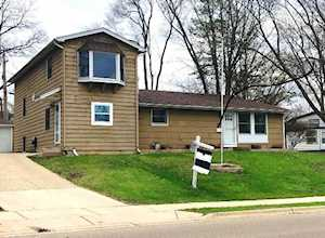 422 Tulsa Ave Carpentersville, IL 60110