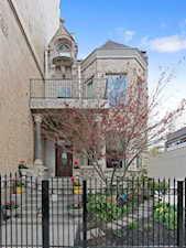 438 W St James Place Chicago, IL 60614