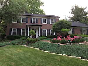 1300 Brookside Ln Downers Grove, IL 60515