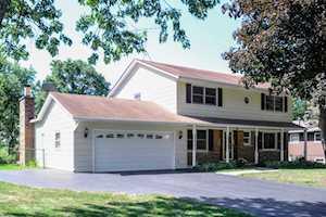 15033 W Redwood Ln Libertyville, IL 60048