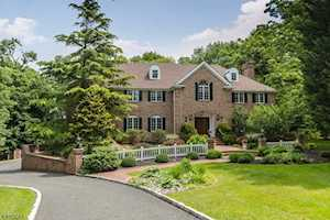 18 Breeze Knoll Mountainside Boro, NJ 07092