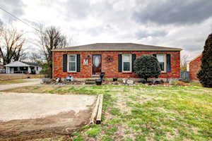 8006 Smyrna Pkwy Louisville, KY 40228