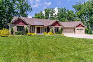 4945 S Skyline Drive Floyds Knobs, IN 47119