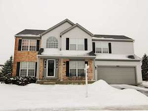3960 Peartree Dr Lake In The Hills, IL 60156