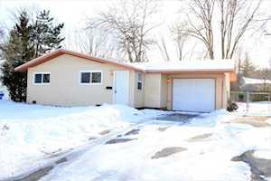 523 Gentle Breeze Terrace Carpentersville, IL 60110
