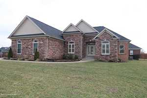 932 Willow Pointe Dr Louisville, KY 40299