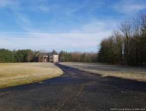 8161 Cunningham Sarles Road Borden, IN 47106