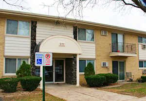 531 Carlysle Dr #13 Clarendon Hills, IL 60514