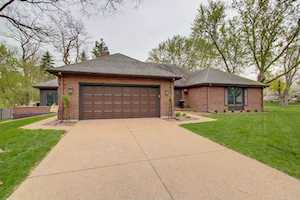 202 Pond Ridge Rd Libertyville, IL 60048