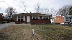 6304 Yellow Pine Dr Louisville, KY 40229