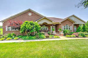 102 Lakeview Court Georgetown, KY 40324