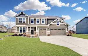 3352 Streamside Drive Greenwood, IN 46143