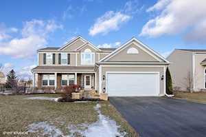 3518 Crestwood Ln Carpentersville, IL 60110