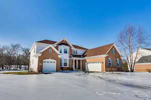 555 Orchard Pond Dr Lake Zurich, IL 60047