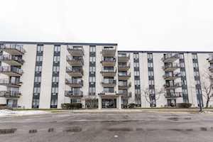 9098 W Terrace Dr #4D Niles, IL 60714