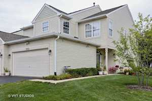 2972 White Thorn Circle Naperville, IL 60564
