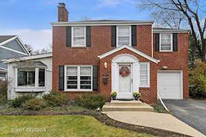 1042 Briarwood Ln Northbrook, IL 60062