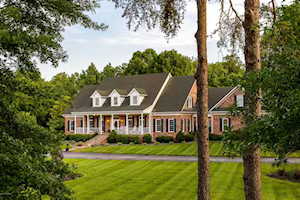 246 Foster Ln Shepherdsville, KY 40165