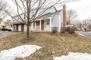 1424 Queensgreen Circle Naperville, IL 60563