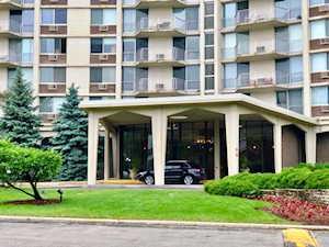 40 N Tower Rd #11E Oak Brook, IL 60523