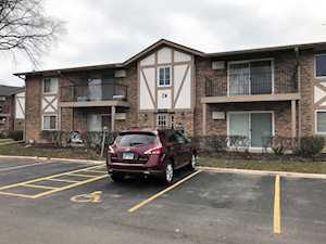 16W481 Lake Dr #24-106 Willowbrook, IL 60527