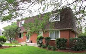 208 Surrey Dr #208 Glen Ellyn, IL 60137